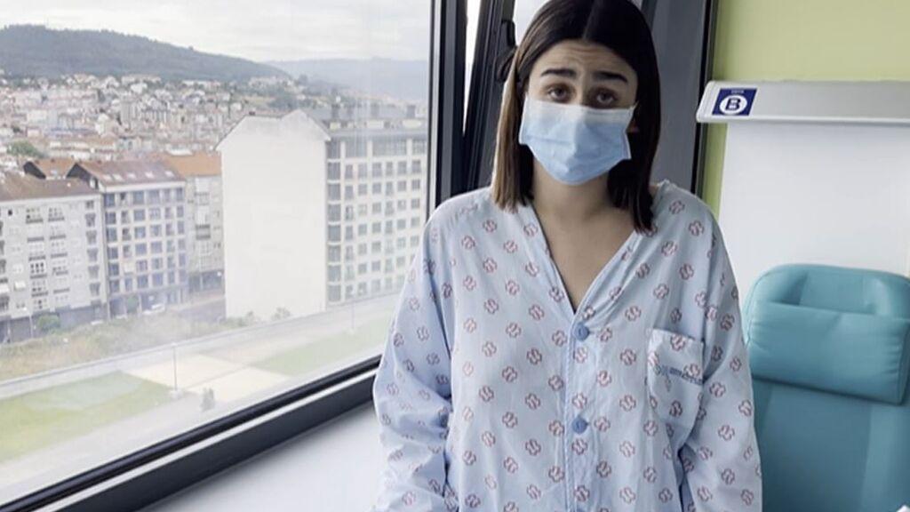 """Andrea, con neumonía bilateral por covid a sus 21 años, advierte a los jóvenes: """"Esto no es una broma"""""""