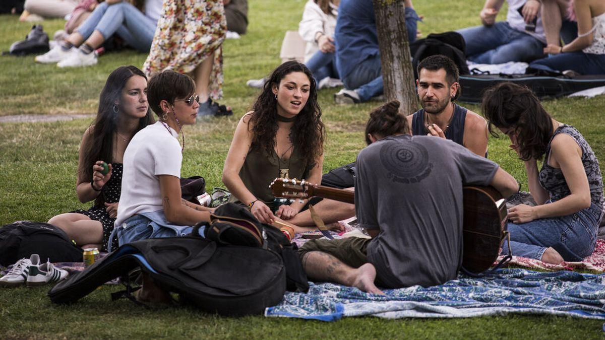 """España afronta una quinta ola """"distinta"""" con los jóvenes en la diana"""