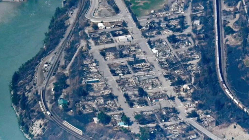 Las llamas devoran una ciudad entera de Canadá por la ola de incendios forestales