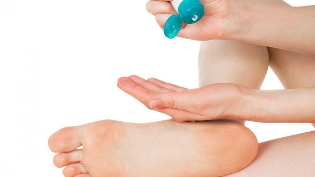 Habrá que sumergir bien los pies y dejarlos reposar.