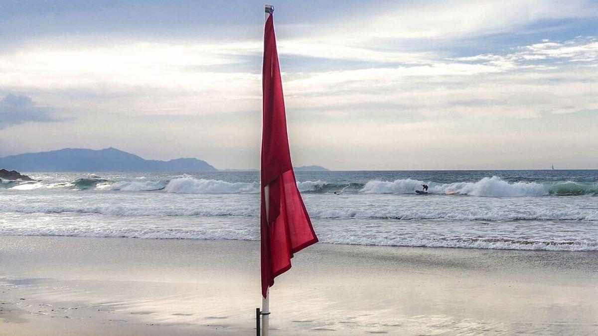 Bandera roja en la playa, ¿qué significa?