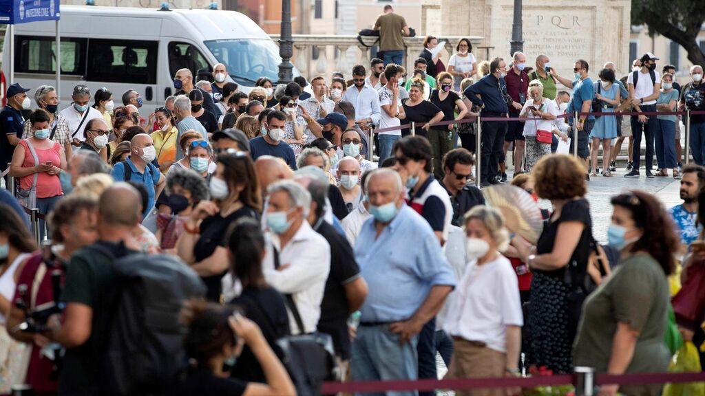 Italia despide a Raffaella Carrà con un ciao multitudinario