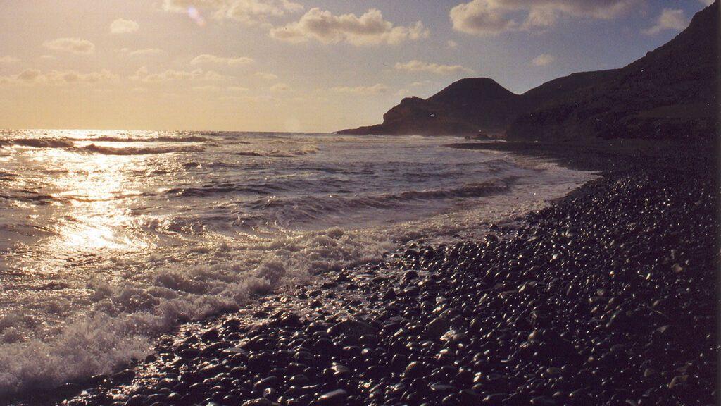 Playa_de_las_Negras,_Cabo_de_Gata._Almeria._-_panoramio