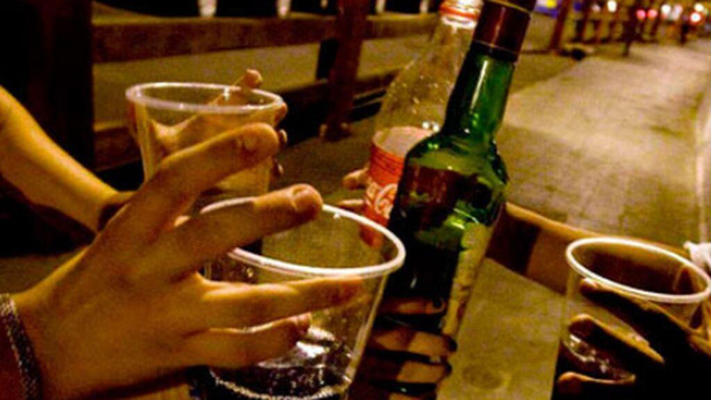 Los jóvenes huyen de los cribados para evitar cuarentenas y seguir de fiesta