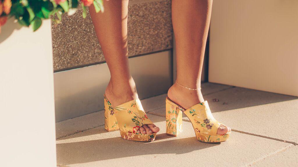 'Mule joyas', así son los zapatos más cómodos y elegantes que vas a llevar este verano