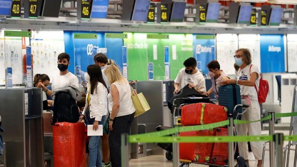 Un operador belga repatria a más de 300 turistas al detectar una decena de contagios de covid