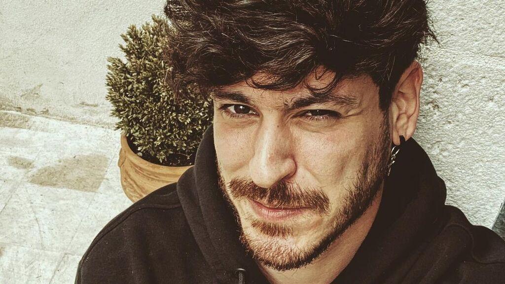 """Luis Cepeda revoluciona las redes con una foto en el gimnasio: """"Me chocas la mano y me reseteas"""""""