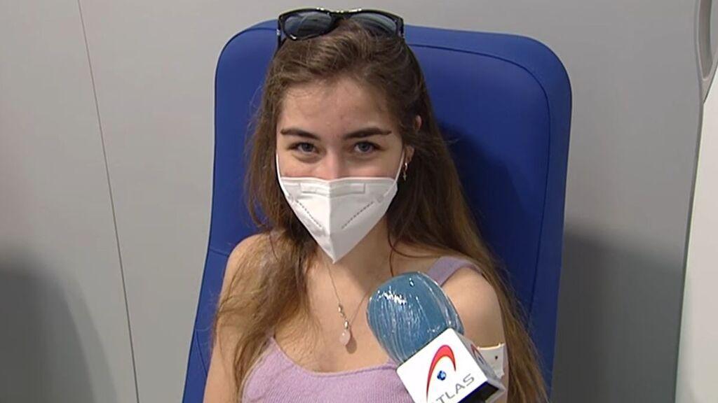Andrea con 20 años es la persona un millón en vacunarse contra el covid