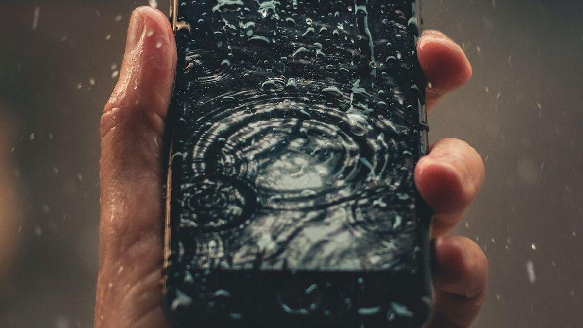 Crean una app que comprueba si la resistencia al agua de un teléfono sigue funcionando