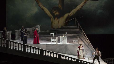El Teatro Real instala mañana dos pantallas con mil asientos en las plazas  de Oriente e Isabel II para emitir 'Tosca' - NIUS