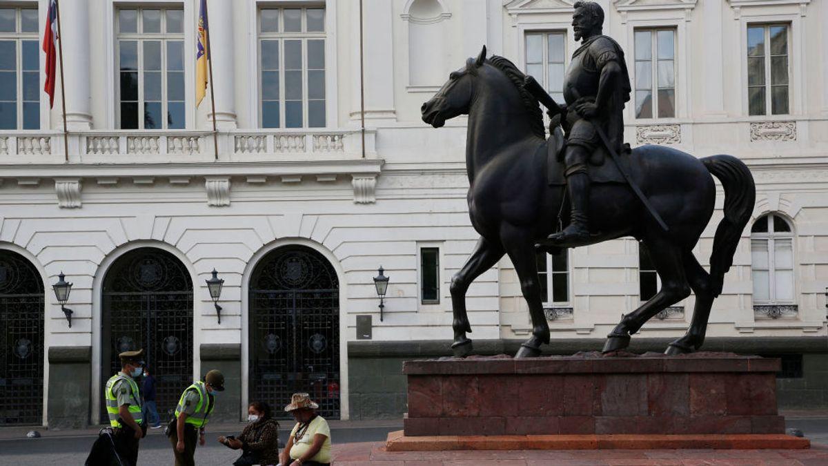 Un tribunal chileno juzgará a la mujer que introdujo la variante Delta por infracción de  las normas sanitarias