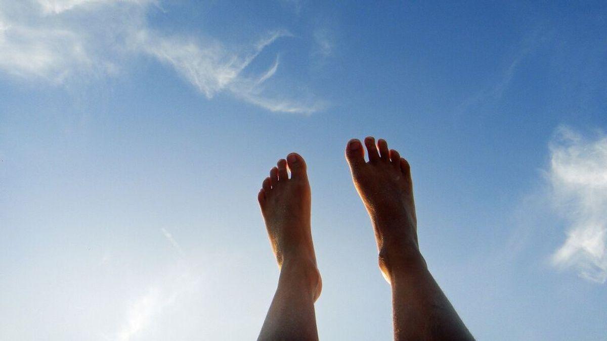 Por qué se hinchan los pies en verano