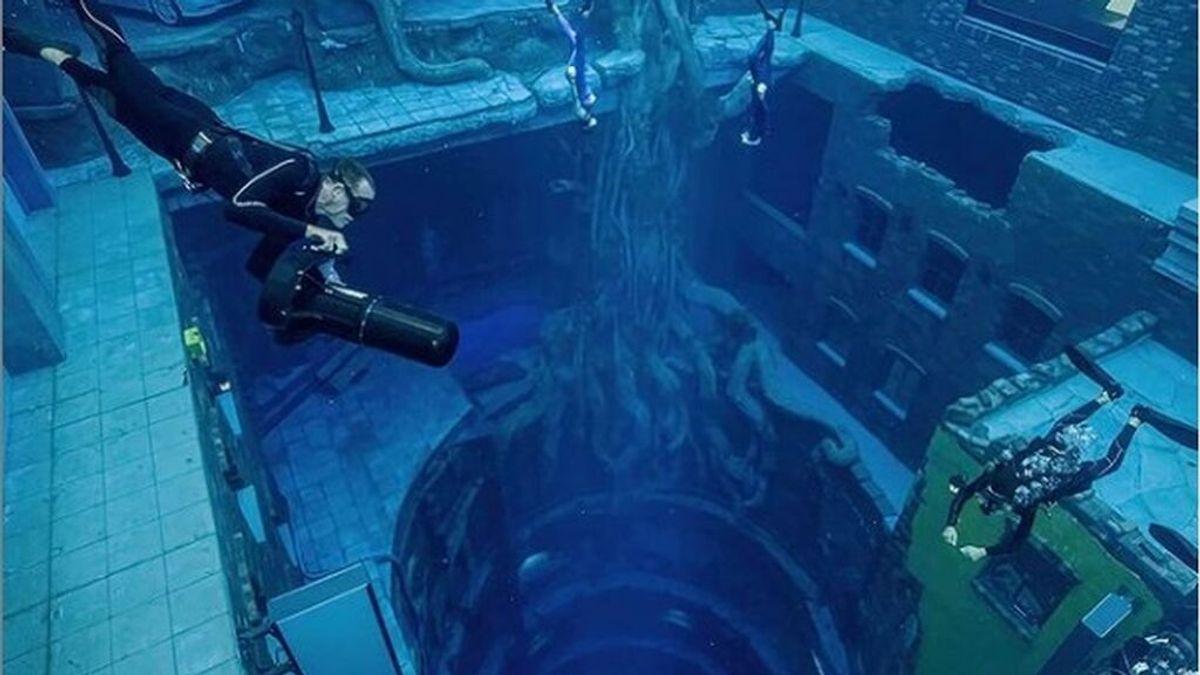 Así es Deep Dive Dubai, la piscina más profunda del mundo: se llena con 14 millones de litros de agua