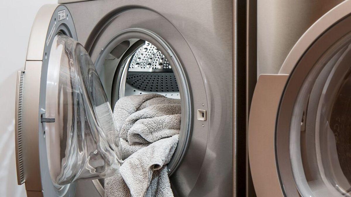 Los infalibles trucos de limpieza para acabar con los malos olores de tu lavadora