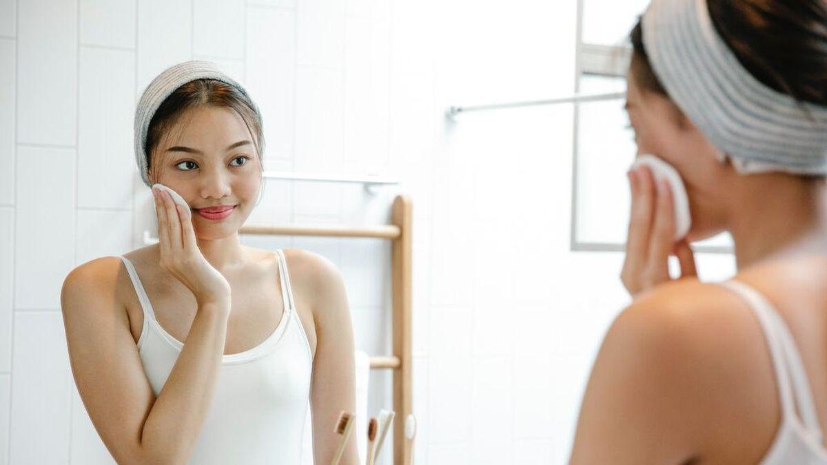 ¿Tienes la piel irritada por la mascarilla? Sigue esta rutina diaria para evitarlo