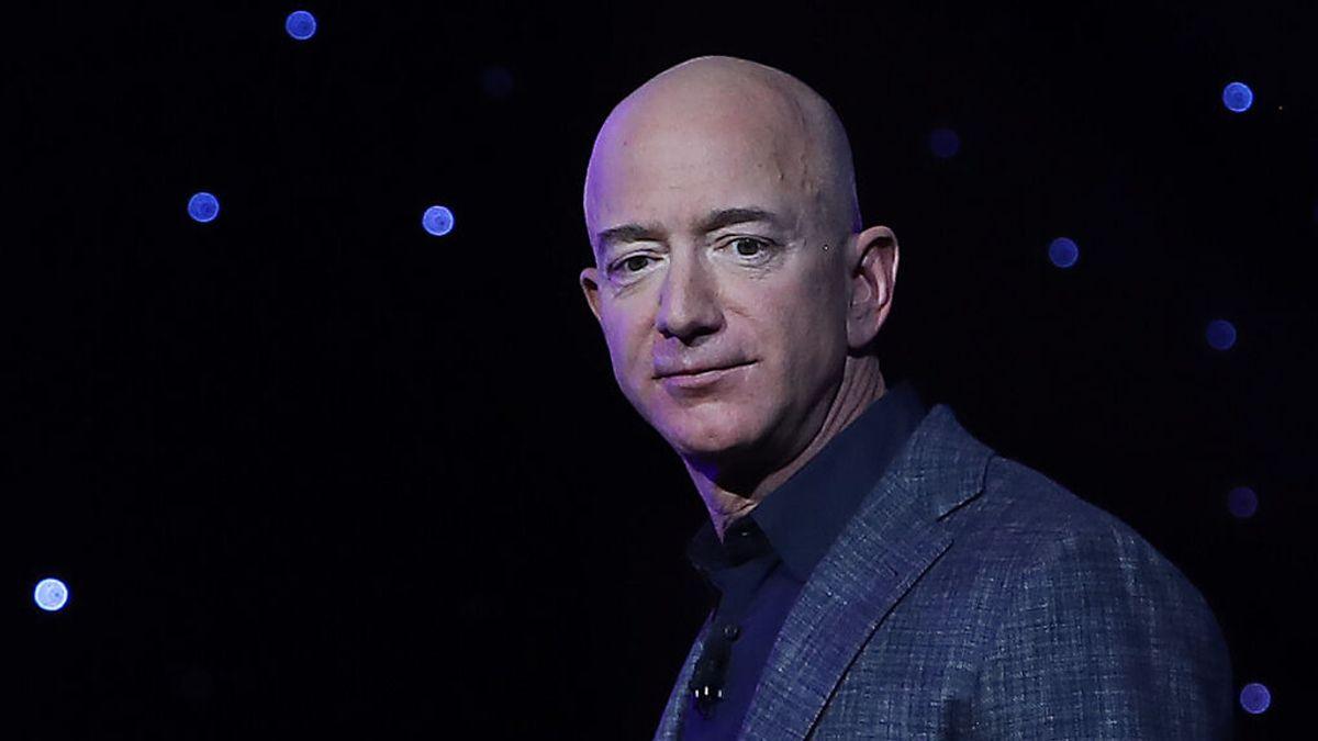 Jeff Bezos considera que el vuelo de Richard Branson no tiene altitud suficiente para ser espacial