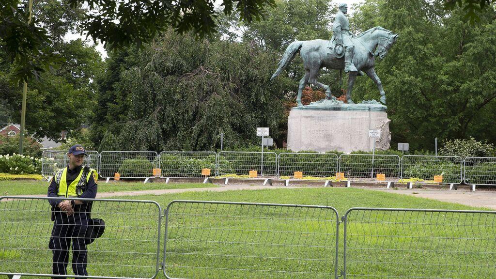 Charlottesville retira la estatua del General Lee