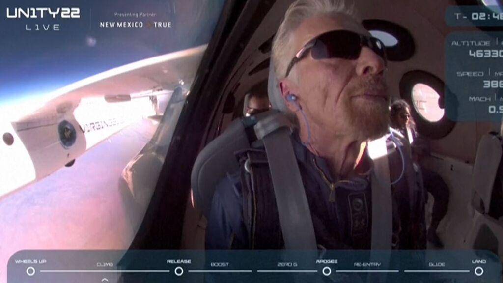 Richard Branson inaugura una nueva era en el turismo espacial al concluir con éxito su viaje