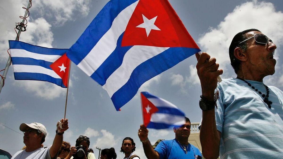 """Cientos de personas salen a la calle para protestar contra el Gobierno en un pueblo de Cuba al grito de """"No tenemos miedo"""""""