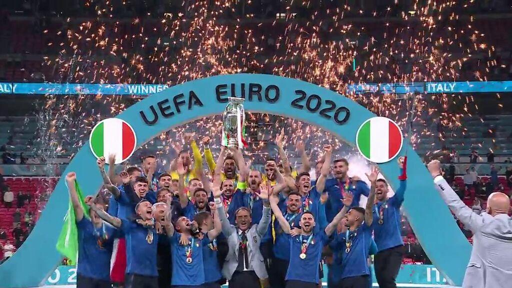 Chiellini levanta al cielo de Wembley la segunda Eurocopa para Italia