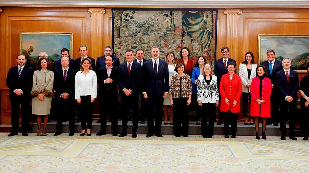 Foto del anterior Consejo de Ministros que juró su cargo ante el Rey en enero de 2020