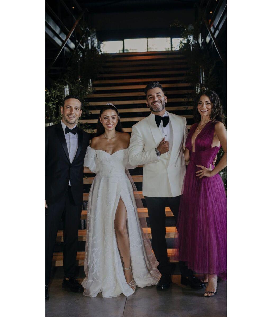Demet Özdemir y Oğuzhan Koç en la boda de Zeynep Bastık