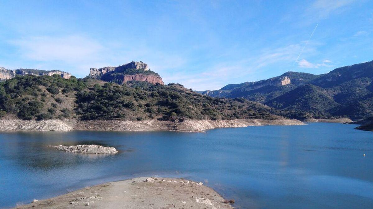 Los submarinistas siguen sin localizar al joven perdido en aguas el pantano de Siurana, en Tarragona