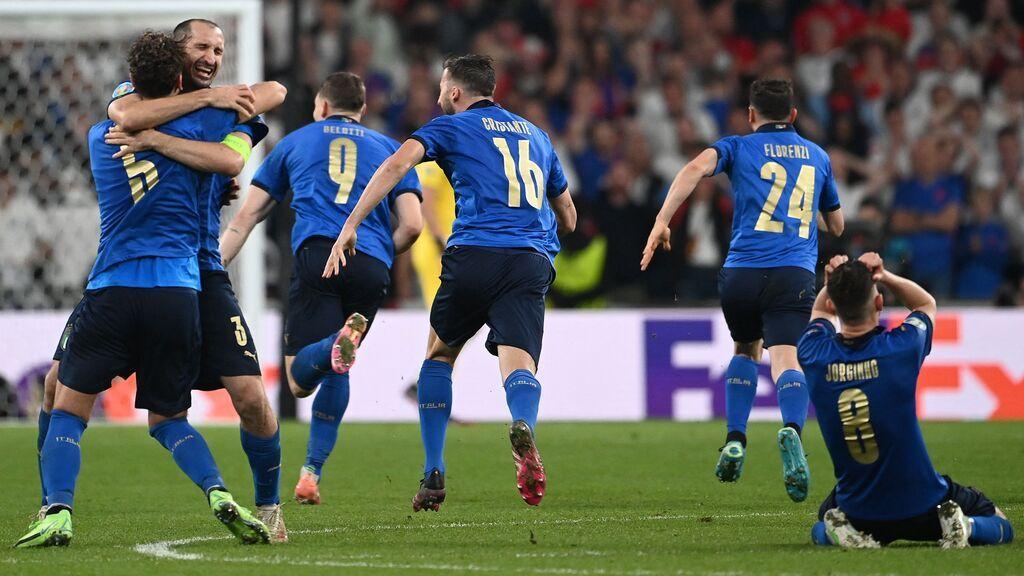 Donnarumma se convierte en el héroe de Italia al parar dos penaltis: La tanda de la final de la Eurocopa