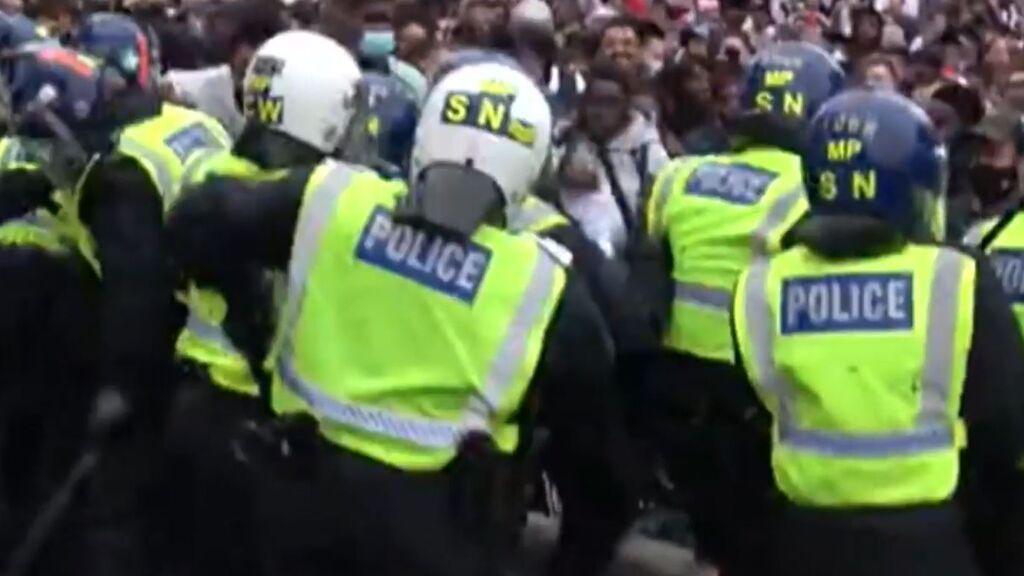 Los hinchas ingleses dan la nota: Violencia y desorden tras perder la final de la Eurocopa