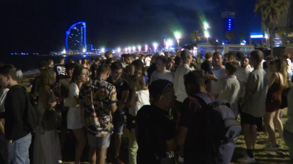 Nueva noche de fiestas y botellones sin control en Barcelona