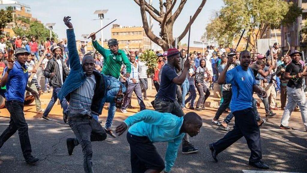 45 muertos en Sudáfrica en las protestas violentas por el encarcelamiento de Zuma