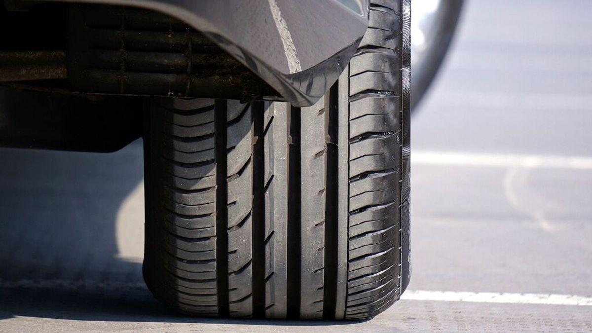 Qué significan las marcas y números que hay grabados en un neumático