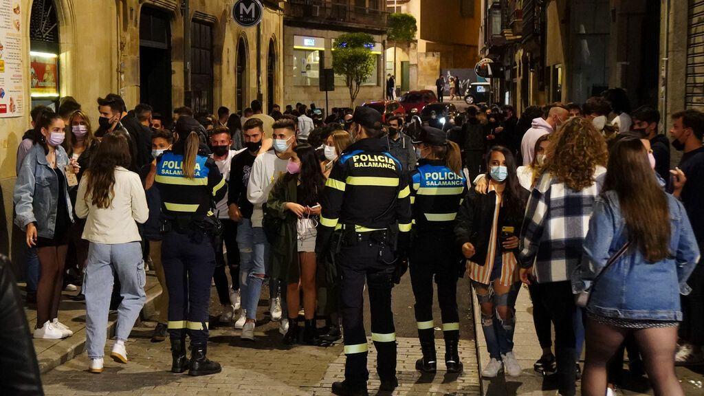 El toque de queda selectivo por provincias se abre paso este verano en España