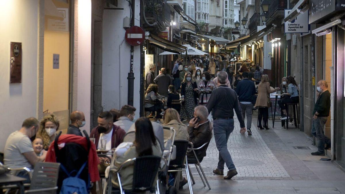 Terrazas de bares en A Coruña tras la reapertura de la hostelería en mayo
