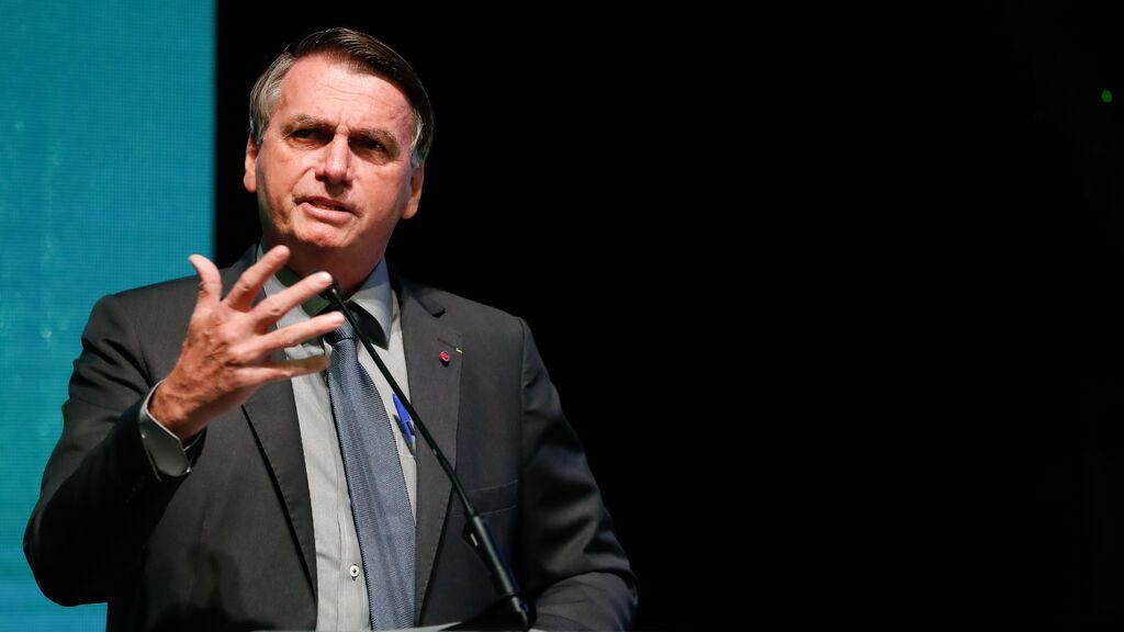Bolsonaro es hospitalizado con dolores abdominales tras días de hipo persistente