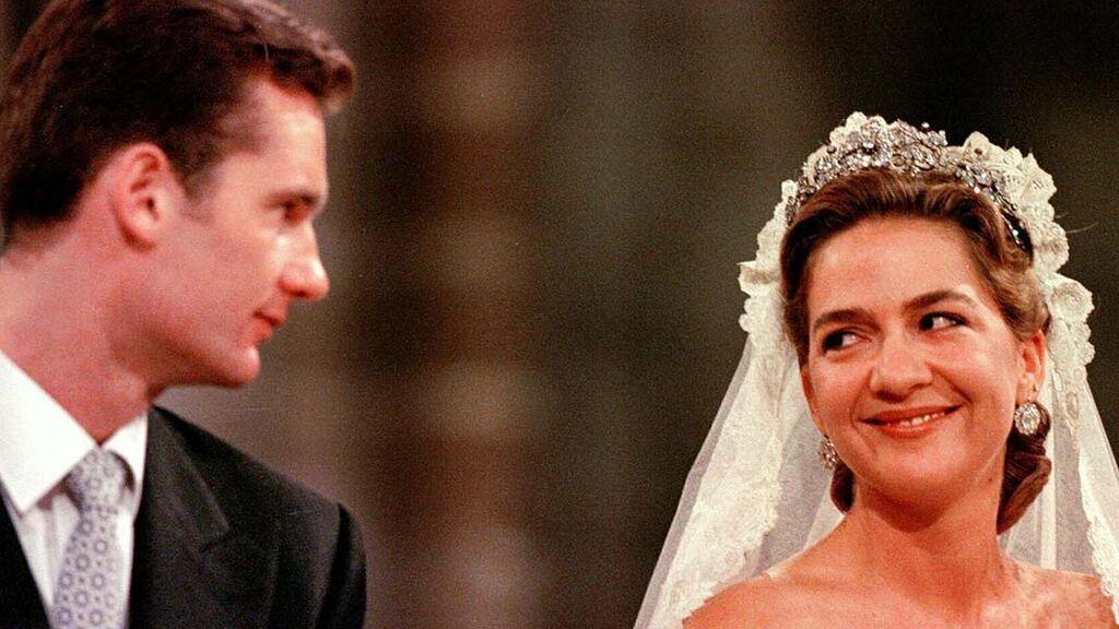 Además, Cristina lució una tiara de la reina Sofía.