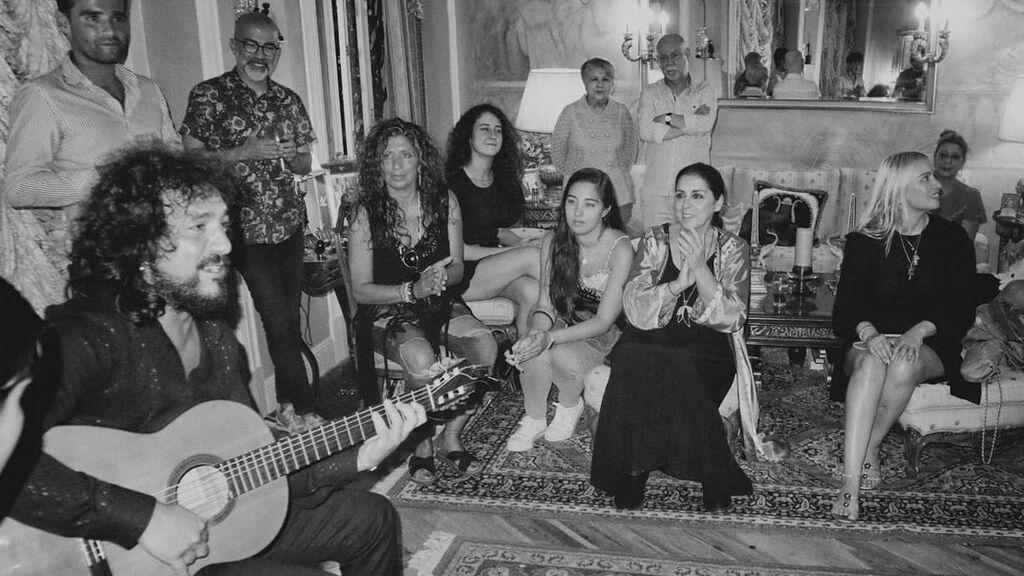 La fiesta flamenca tuvo lugar en la casa de la aristócrata Coqui Font