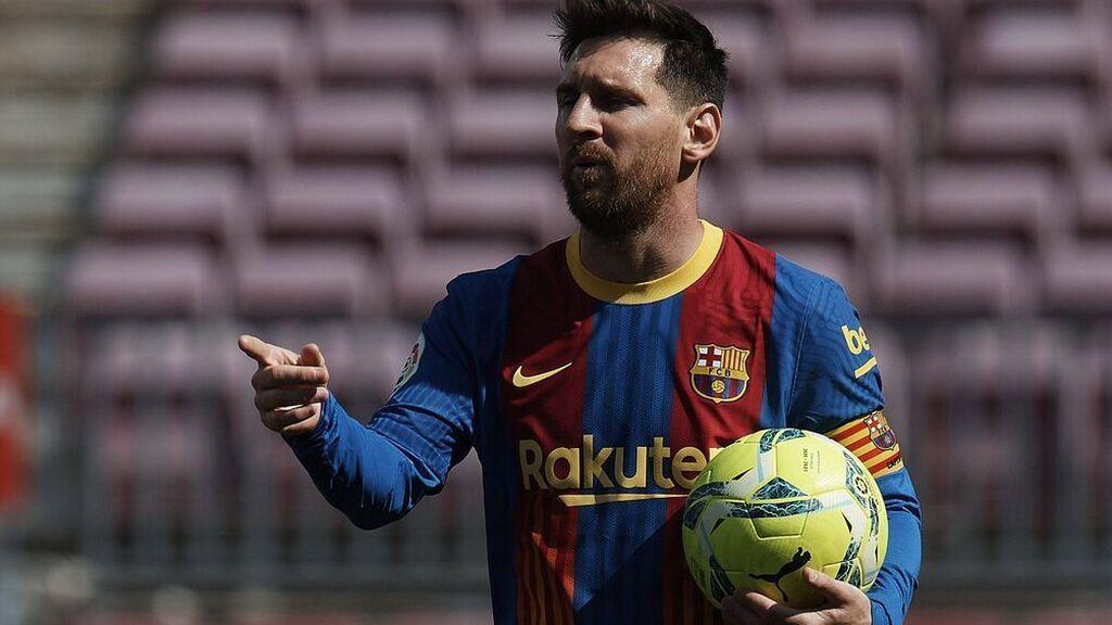 Messi da ejemplo al vestuario del Barcelona y se reduce el sueldo a la mitad
