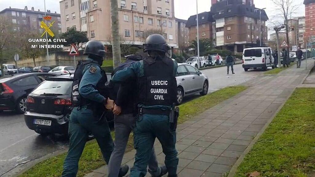 Dos heridos y ocho detenidos en un tiroteo por la venta de diez kilos de marihuana en Sevilla