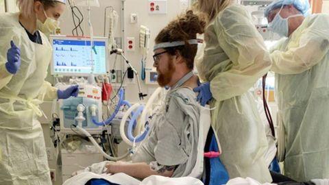 La historia de dos negacionistas que necesitan un trasplante de pulmón tras infectarse de covid