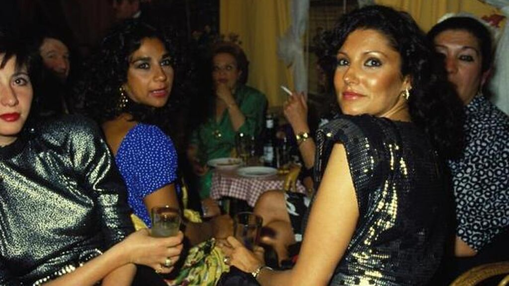 Charo hizo amistad con Lolita Flores.