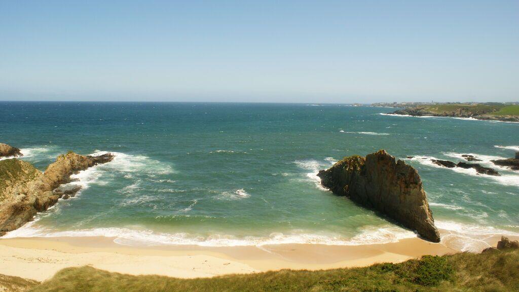 Playa de Mexota, el litoral partido en dos.