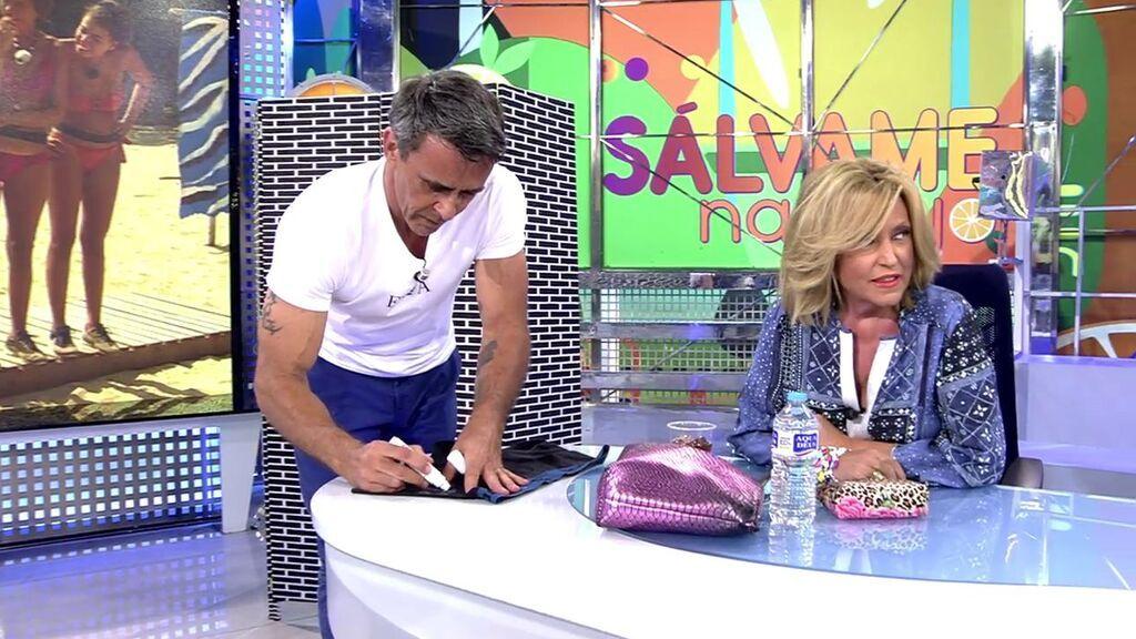 ¡Alonso Caparrós se quita los calzoncillos en directo para que la audiencia pueda comprarlos!