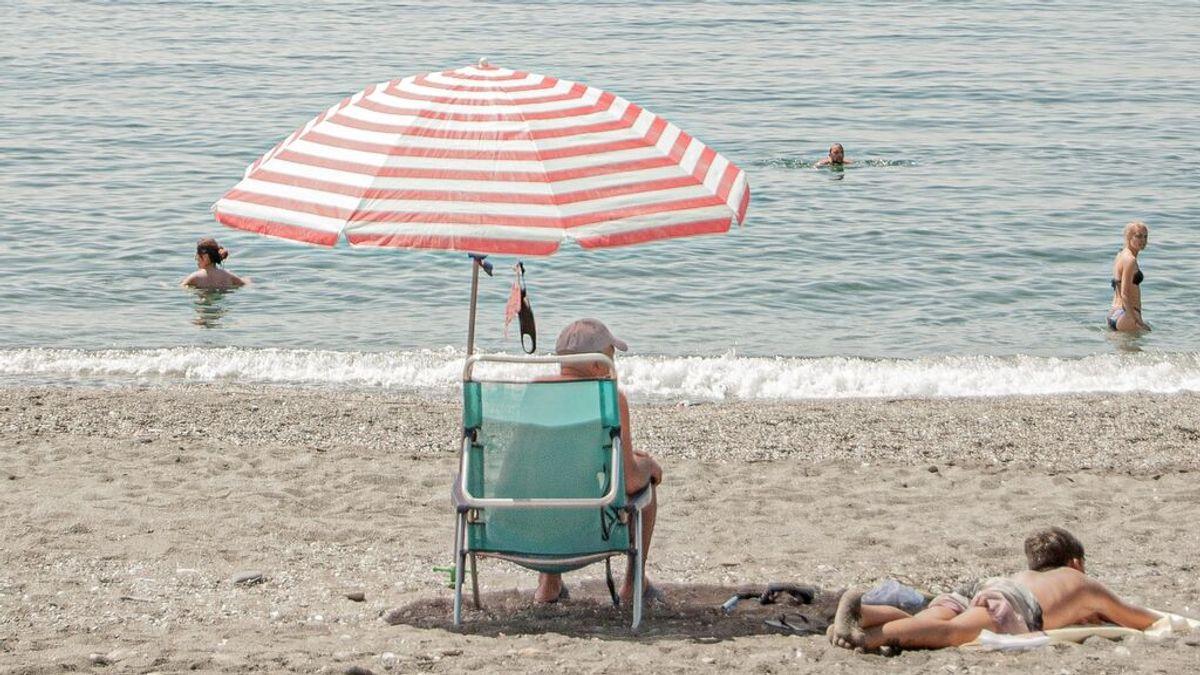 """""""Me acaban de vacunar"""": ¿puedo ir a la playa y tomar el sol tras el pinchazo?"""