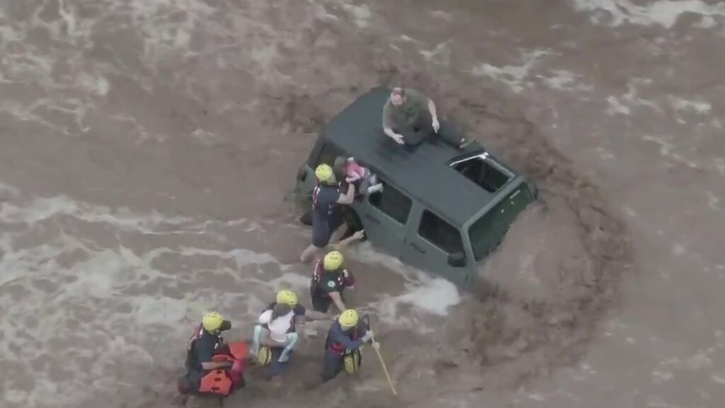 De la sequía a las inundaciones: las tormentas monzónicas castigan a Arizona