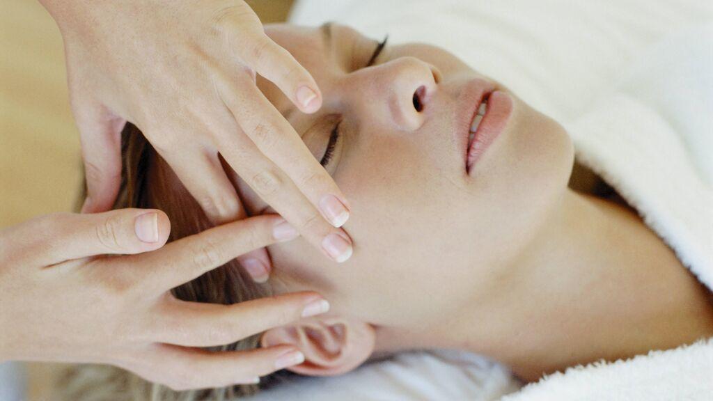 Dermaplaning o afeitado con cuchilla en mujeres: ¿es recomendable?