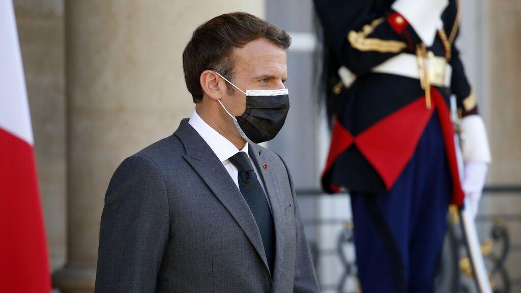 Francia aprueba el polémico proyecto de ley que restringe la vida social para los no vacunados