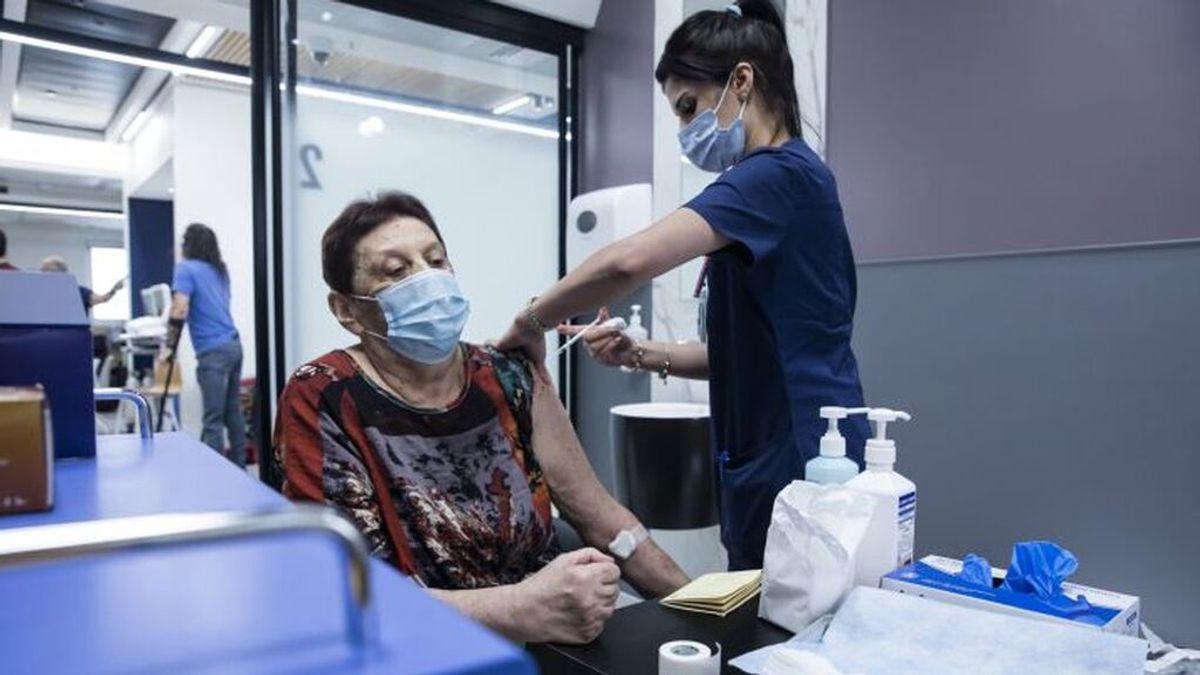 El 22% de los hospitalizados, pese a la pauta completa, muere, según un estudio en Israel