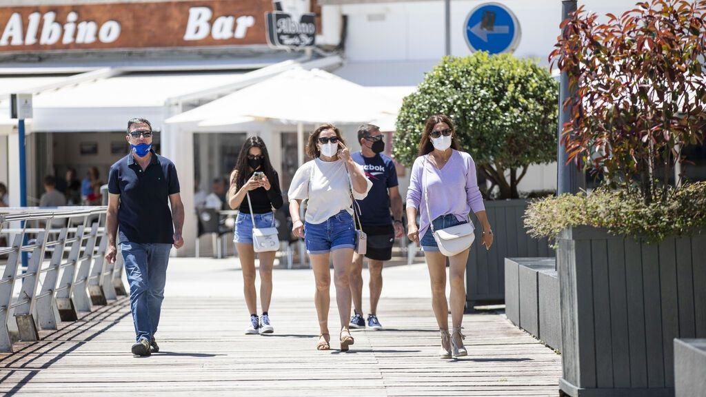 Los españoles son la población que menos mantendrá la distancia social y la mascarilla una vez vacunados