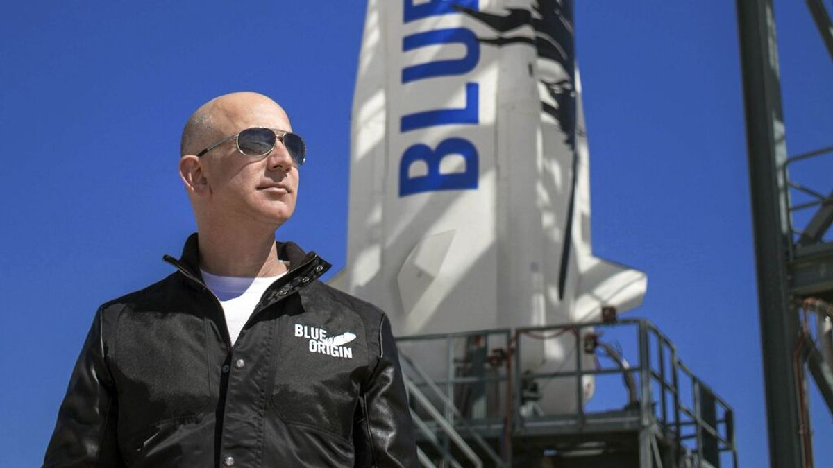 """Jeff Bezos completa con éxito su viaja al espacio a bordo de Blue Origin: """"El mejor día de mi vida"""""""